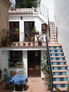 Cocina/comedor, 2 terrazas con sol todo el día (click on photo)