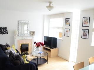 Notting Hill - Hyde Park - Central with Parking !
