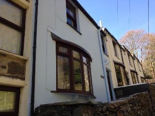 1 Penrhiw Terrace, Prenteg