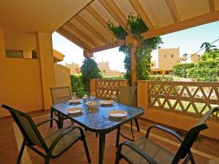 1305 - 2 bed garden aptartment, Santa Maria Village