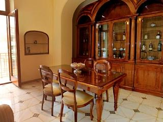 Sorrento Apartment Sleeps 4 with Air Con and WiFi - 5229078