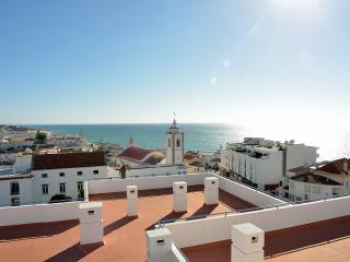 Bay View 602 Perfect Location Free WIFI Sea View, Albufeira