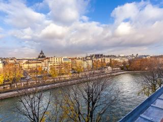 ILE SAINT-LOUIS VIEW ON SEINE, Paris