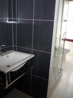 Bathroom 1 - Black&White