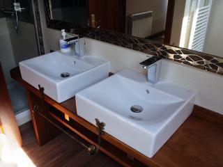 Baño habitación matrimonio Abad I