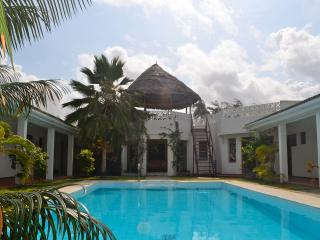 Beach-front Villa with pool., Watamu