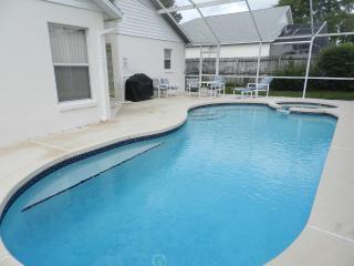 Davenport Lakes Pool Home