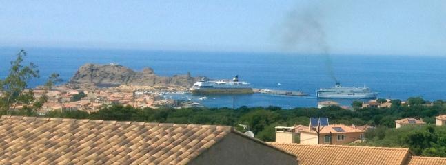 vue à l'étage, port Ile Rousse