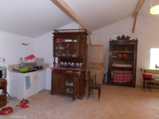 SALVADOR KITCHENETTE WITH ANTIQUE FURNITURE AND BEAUTIFUL POTTERY TO EAT OFF