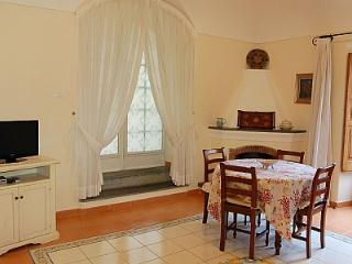 Positano Villa Sleeps 2 with Air Con - 5228923