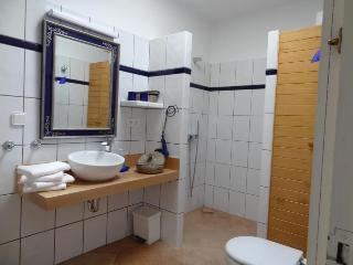 Bathroom of room 2 and 3