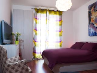 main bedroom x 4 guests