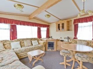 California Cliffs 50056 - a light and airy delight, Great Yarmouth