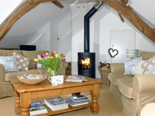 Rustic Pied a Terre on Strumble Head - cosy throughout the year