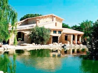 COMFORTABLE VILLA just outside Medieval Miravet