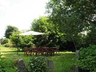 Garden, seating for 8+