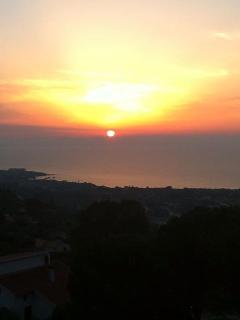 panorama sul mare e tramonti meravigliosi da casa