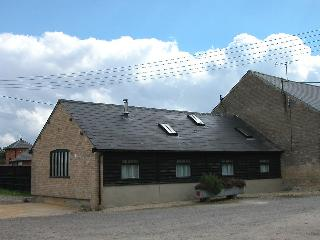The Old Cart Shed, Pewsey H131