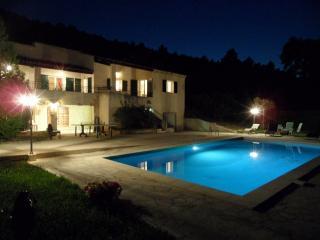 Villa avec piscine proche Aix en Provence