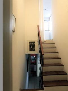 stairs to the bedroom 2
