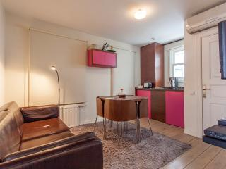 CHIC 5 Cosy 2 Bedroom Flat, Estambul