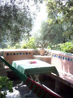 another Moorish style sitting area with hammock