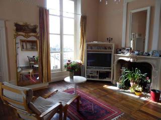 A, Blois