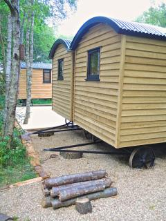 Double living cabins