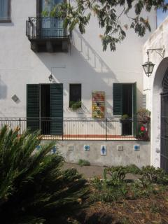 entrance, balcon  - cortile, balcone