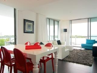 Boutique Bayfront Residence 1