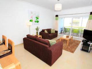 2 Bed Apt overlooking the Ria Formosa w/ free Wifi, Fuzeta