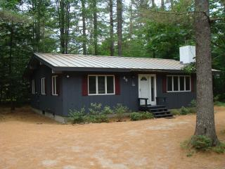 THANKSGIVING & XMAS AVAILABLE~ WALK to ECHO LAKE, North Conway