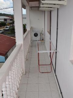 Votre terrasse arrière courant tout le long de la façade
