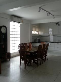 Large dining room & kitchen, comfortably accommodate 8 people, perfect for enjoying one's c