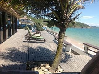 SPACIOUS FRONT BEACH HOUSE, Búzios