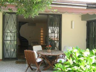 Brand new apartment in Florence with private garden, sleeps up to 4