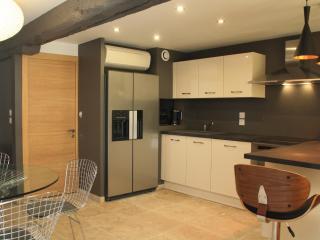 Kitchen, air conditioning