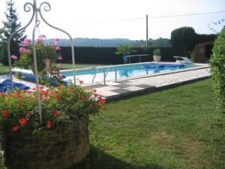 LA TITOUNE - piscine-Proche SARLAT-PERIGORD NOIR
