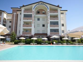 5 beds apartment in Residence with pool