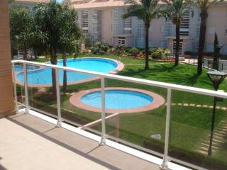 1U Golden Gardens playa Arenal WiFi terraza grande