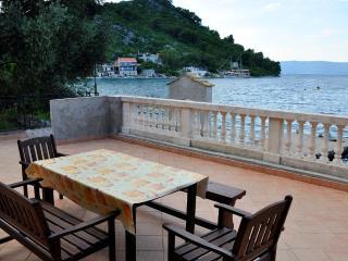 Waterfront 3bedroom apt./Mljet, Mljet Island