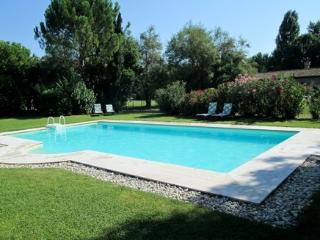 Holiday apartments with swiming pool in a Villa near Venice