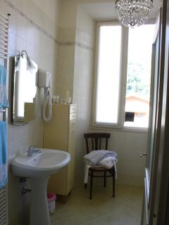 Suite - The bathroom