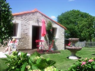 Gîte avec piscines chauffées proche côte de Jade, Saint Viaud