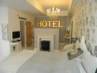Boutique Beach Bedrooms 1+2 with Kingsize Beds in Beach Walk Whitstable CT5 2BP
