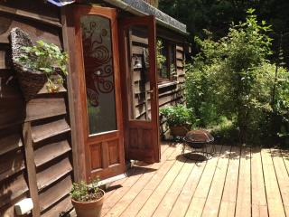 Isle Of Wight 2 bed Apartment in woods with wifi, Ryde