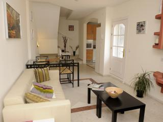 CENTRAL 3 BEDROOMS DUPLEX WIFI, Sevilla
