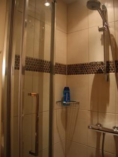 Shower room of twin bedroom