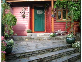 FJORDSIDE Lodge, Salhusfjorden apartment (4)