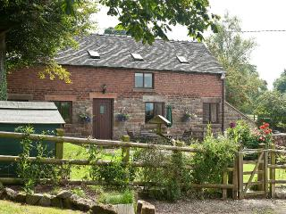 Oldfield Barn Holiday Cottage, Bradnop